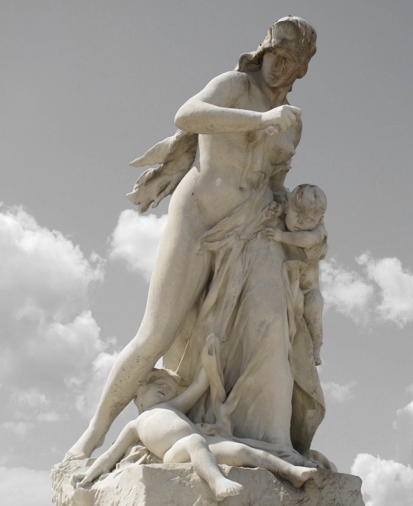 medea-statue