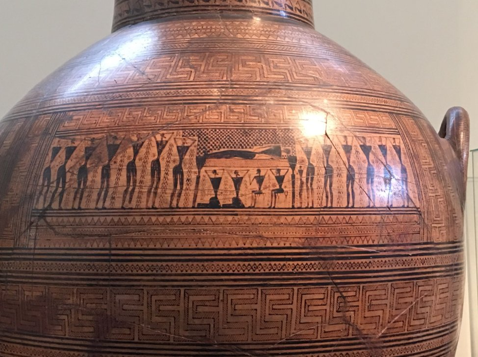 Close-up Dipylon Vase