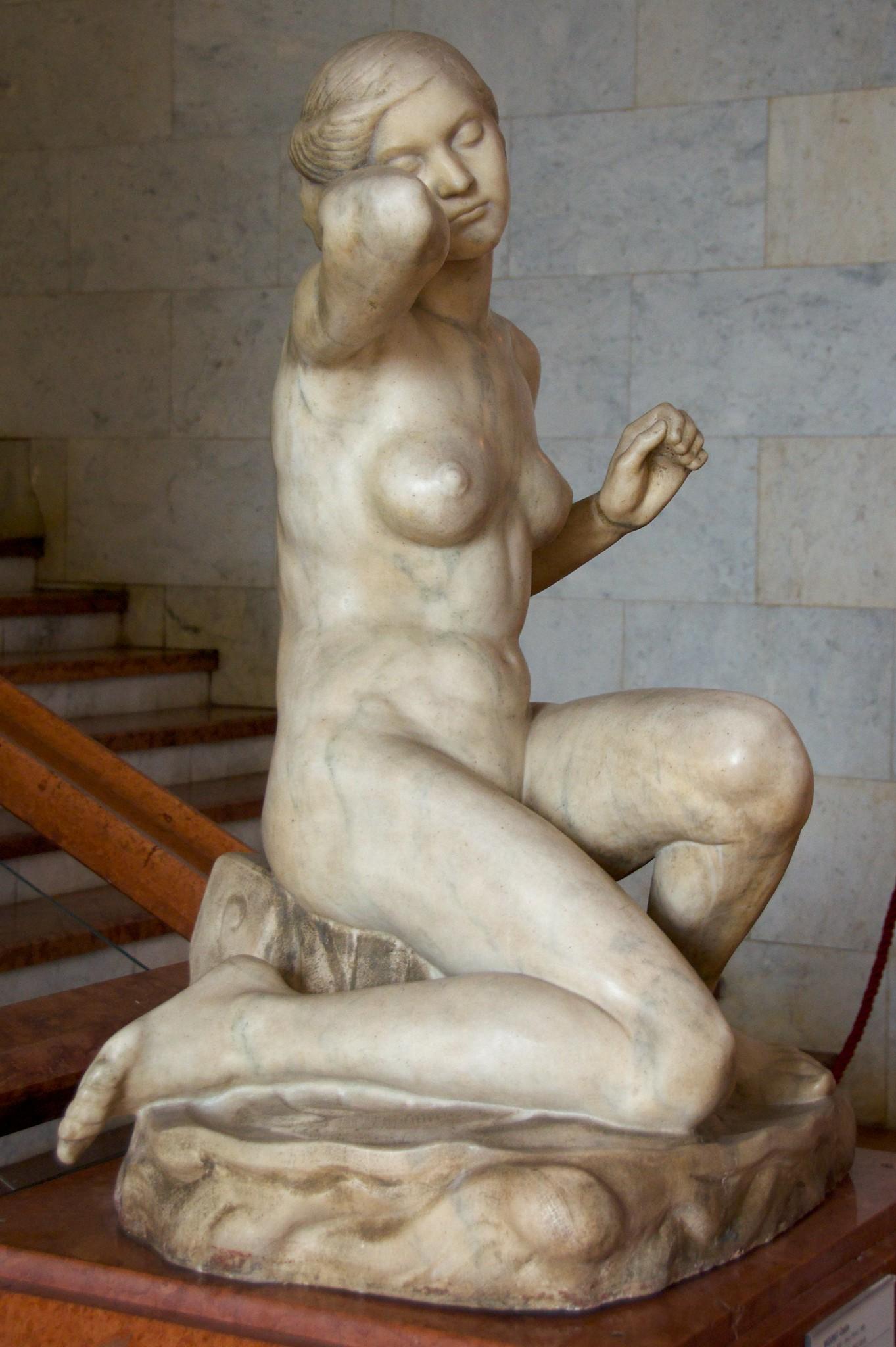 Sculpture Moriet Venus Anadyomené